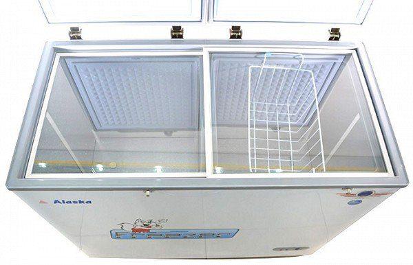 Tủ đông BCD-5567N thiết kế kính lùa giữ nhiệt tốt
