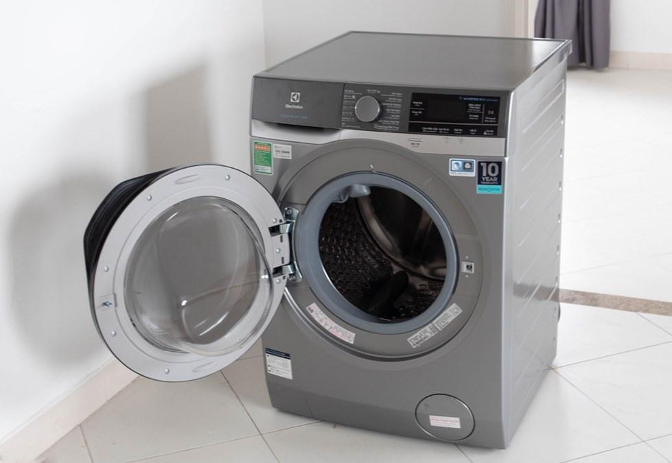 Máy giặt Electrolux 10kg lồng ngang EWF1023BESA