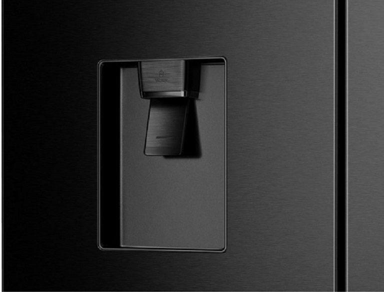 thinh-phat-Tủ lạnh Casper RM-522VBW ngăn lấy nước ngoài
