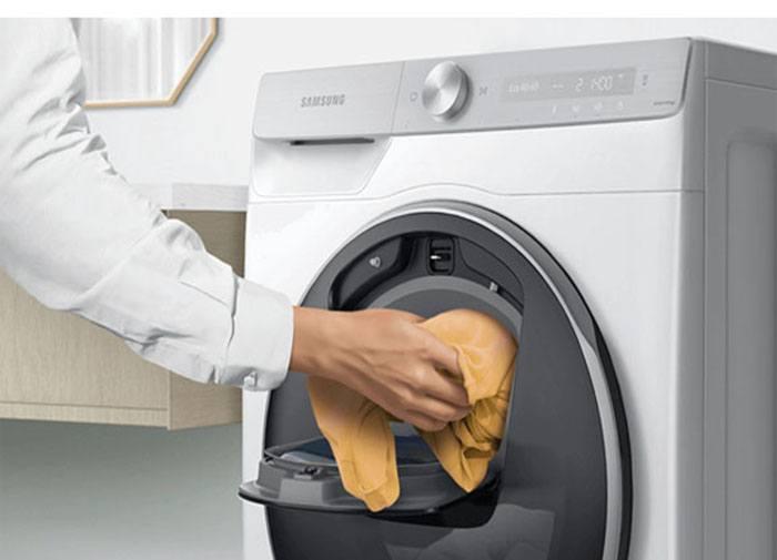 Máy giặt lồng ngang Samsung WW10TP54DSH/SV, cửa phụ thông minh