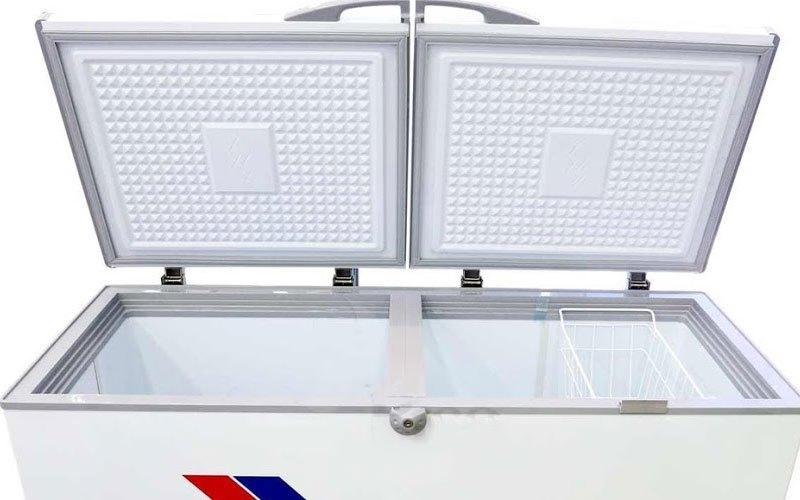 Cánh tủ đông bị hở hoặc mở liên tục