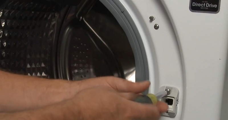 Công tắc cửa máy giặt bị hỏng