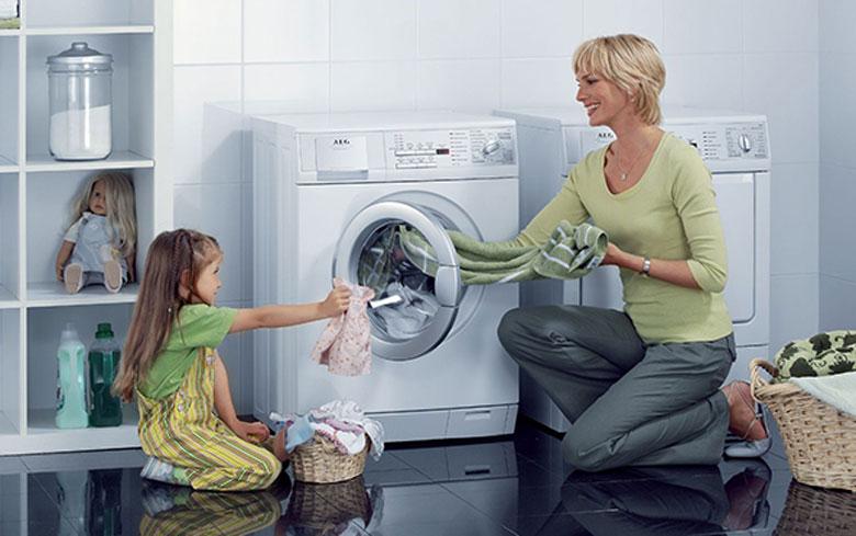 Vì sao phải thường xuyên vệ sinh máy giặt LG